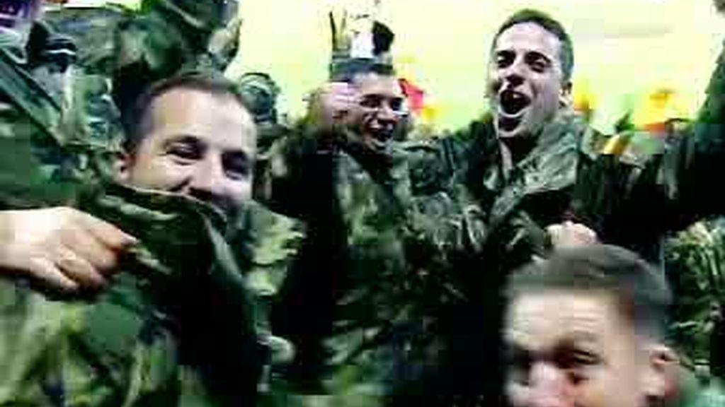 ¡Los soldados vibran con la Selección!