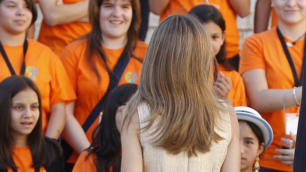 Letizia, arreglos en el pelo; Felipe, vuelve a la barba