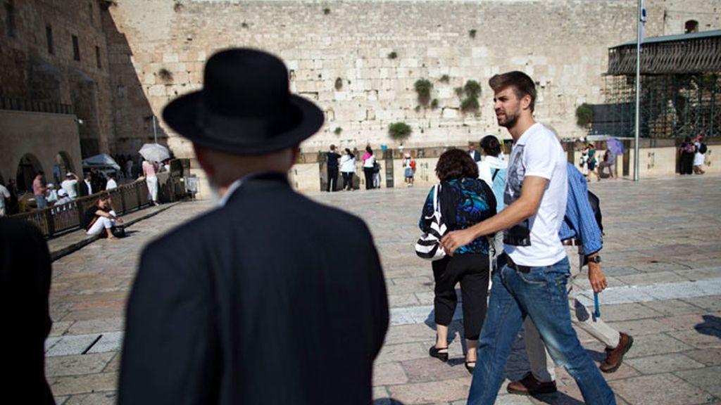 Shakira y Piqué pasan de la playa y visitan Jerusalén