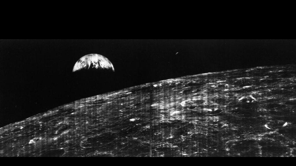 Primera imagen de la Tierra tomada desde la Luna