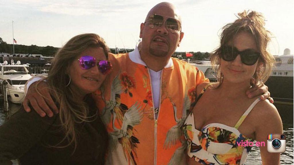 En la fiesta de barco del domingo estuvo el rapero Fat Joe, entre otros