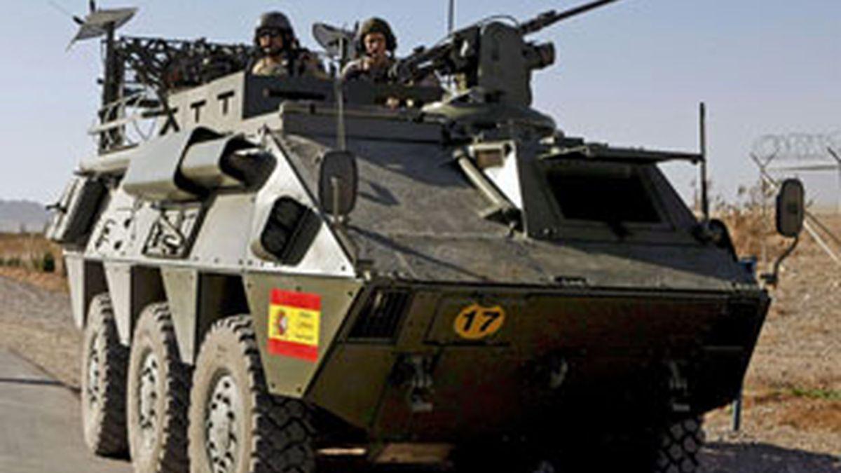 Fotografía de archivo de un vehiculo blindado BMR en la base de Herat. Foto: EFE