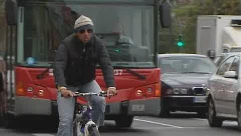 Prohibido encadenar bicicletas a las farolas