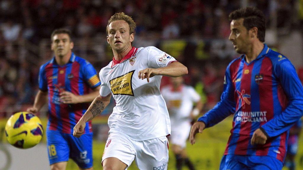 El Sevilla no encuentra un gol ante el Levante. Foto: EFE