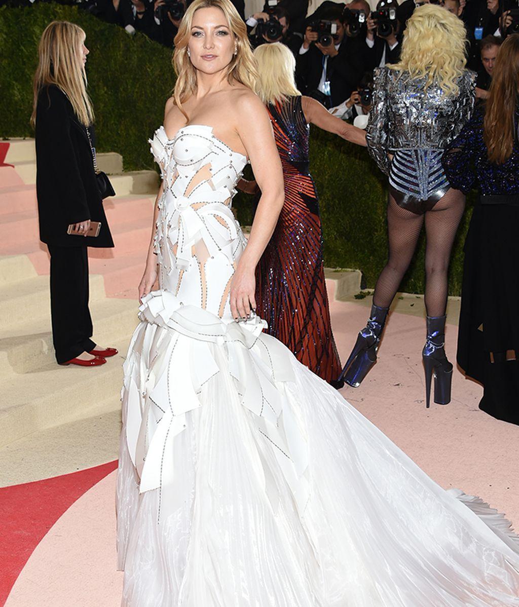 Kate Hudson vestida de Versace