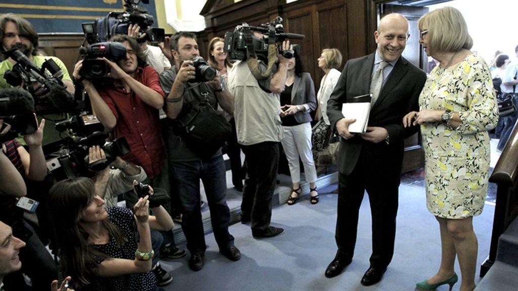El ministro de Educación debate con los rectores la subida de las tasas universitarias