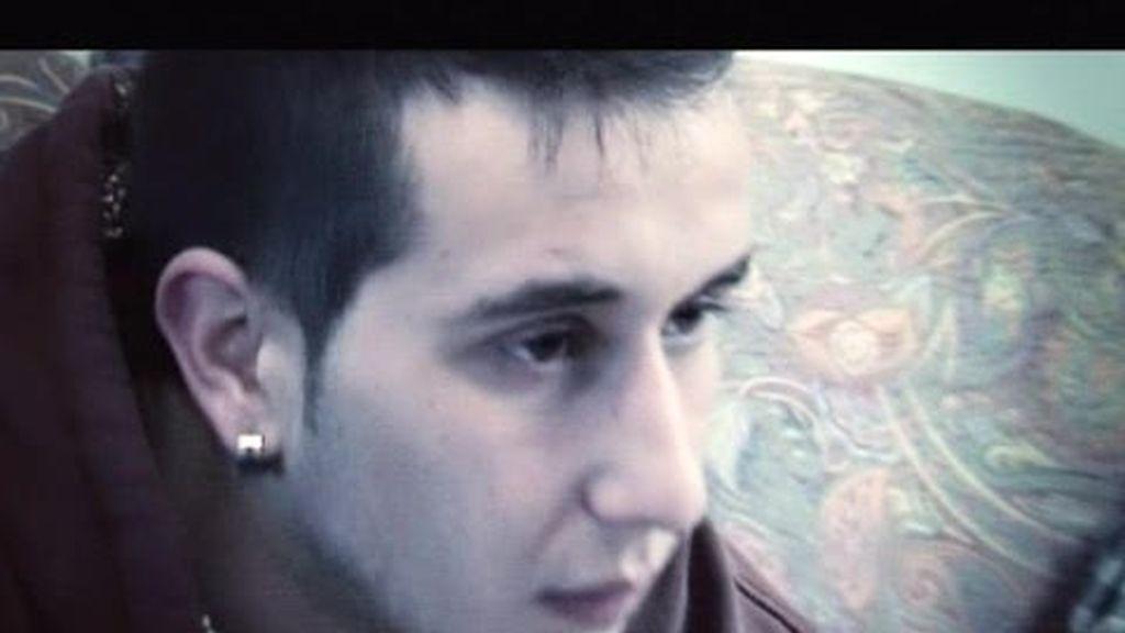 Avance: Adrián, 19 años, atormentado, colérico, caprichoso