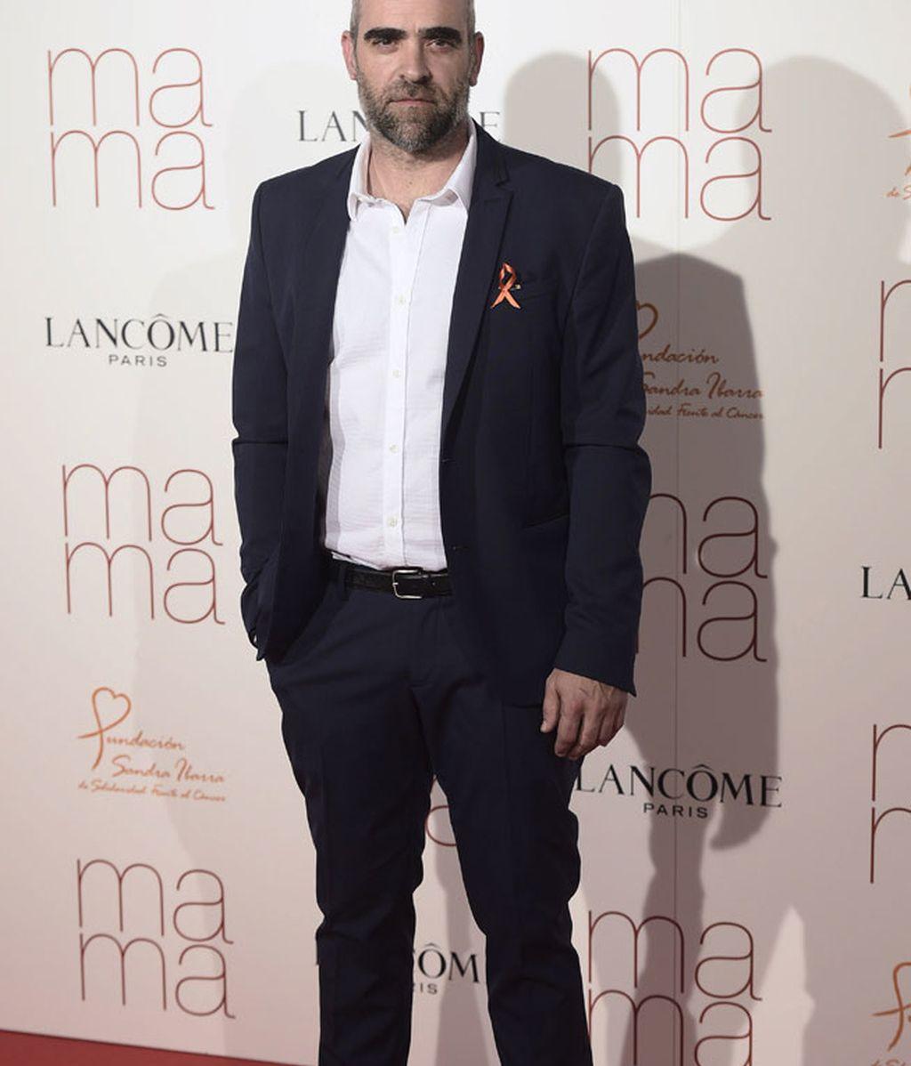 Luis Tosar, elegante traje de chaqueta