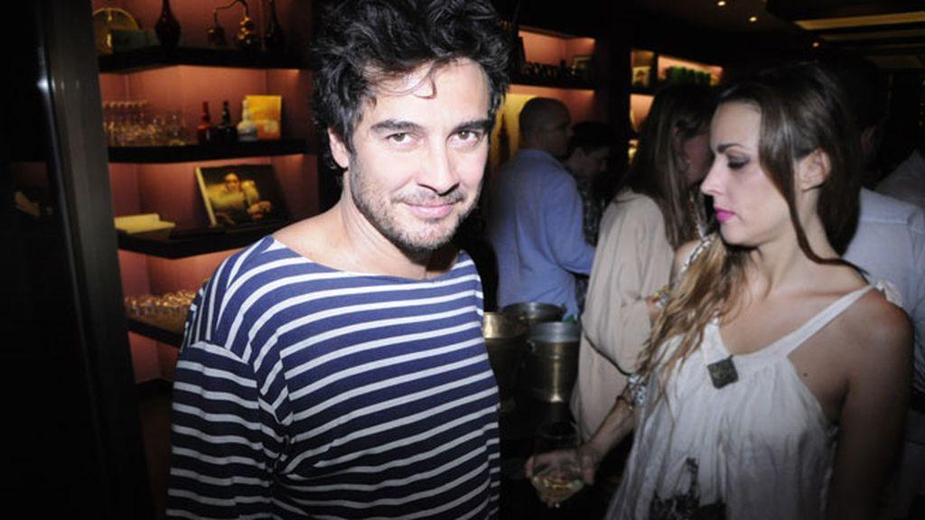 El actor Jose Manuel Seda con un look muy veraniego
