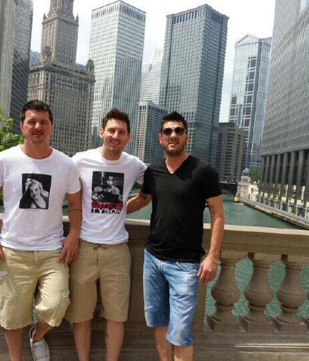 Leo Messi junto a su hermano Matías y Rodrigo