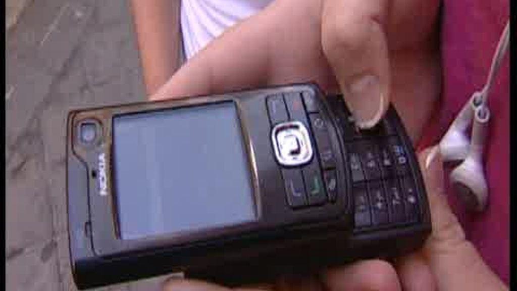 Los jóvenes usan el móvil para todo