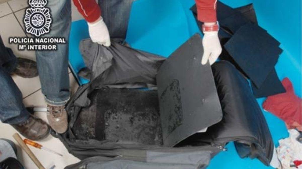 Cocaína negra oculta en doble fondo