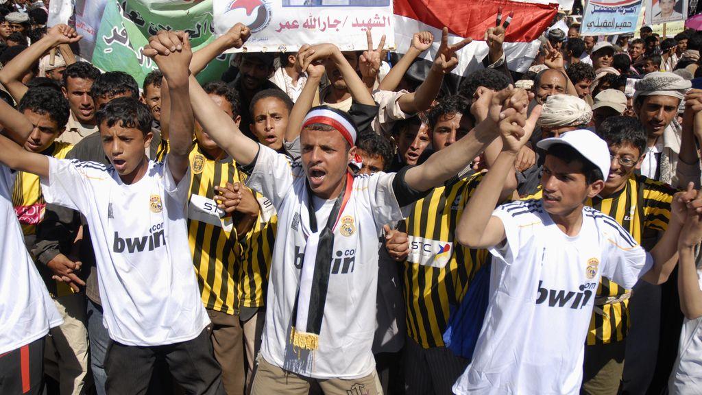 Manifestantes yemenís antigubernamentales