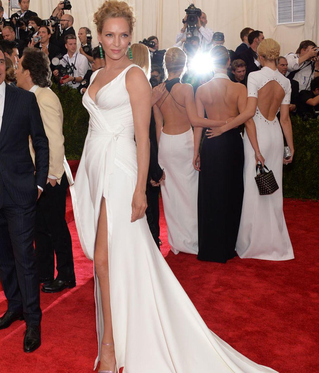 Uma Thurman con vestido de Atelier Versace