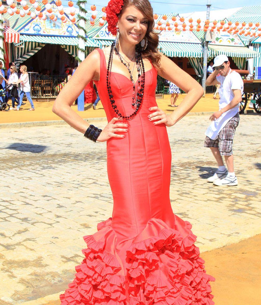 La presentadora Lucía Hoyos escogió el rojo para su vestido