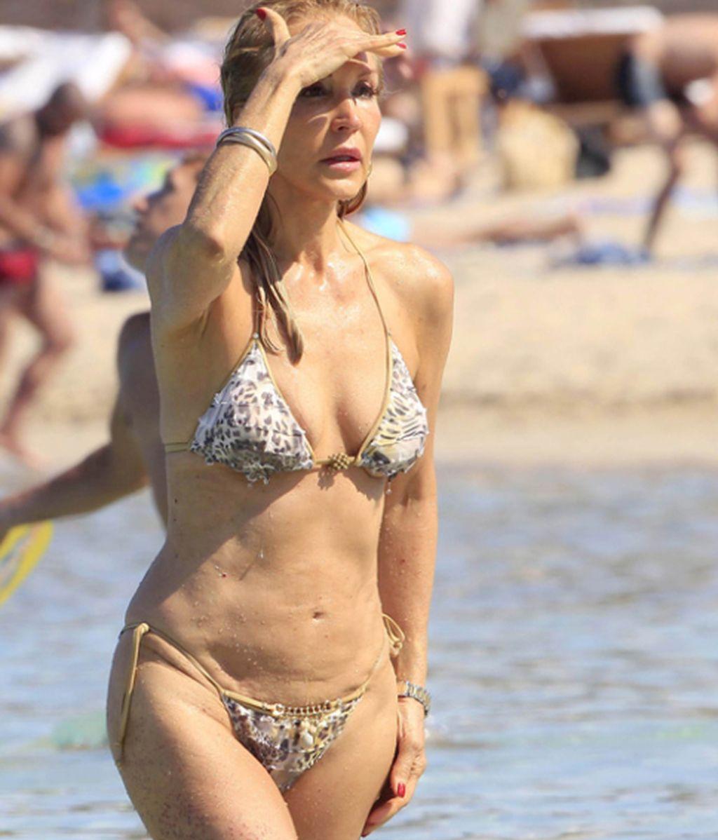 Lomana en Ibiza: Aquí se olvida hasta la crisis