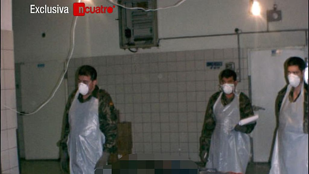 Imágenes exclusivas de las identificaciones de los cadáveres de los militares fallecidos en el accidente del Yak-42