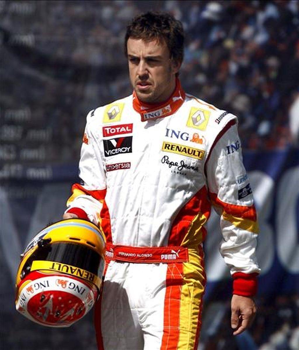 El piloto de Fórmula Uno Fernando Alonso, de Renault, manifiesta que en Malasia tienen que hacer una buena sesión de clasificación. En la imagen, Alonso durante un entrenamiento. EFE/Archivo