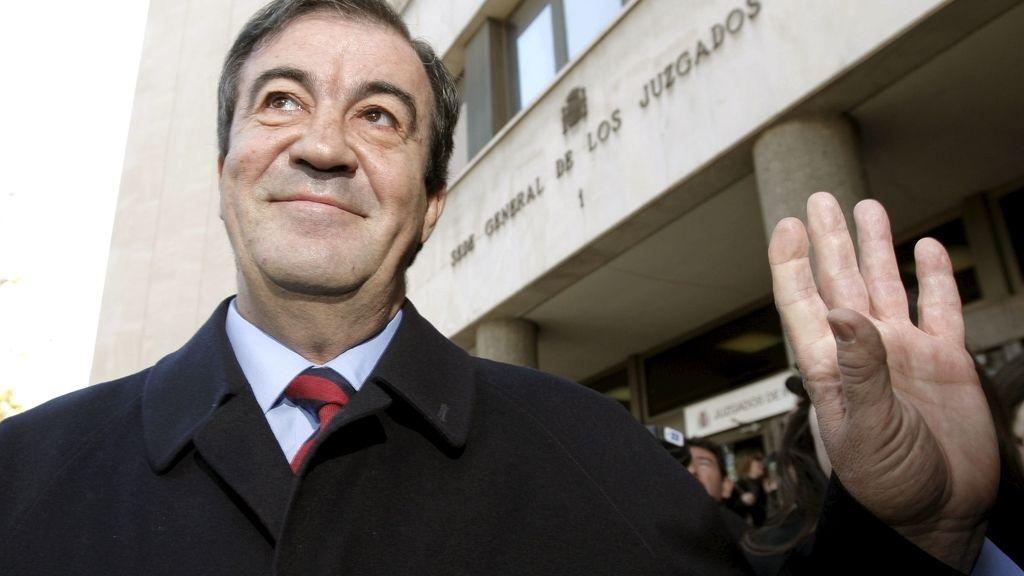 Francisco Álvarez Cascos, 9.900 euros trimestrales