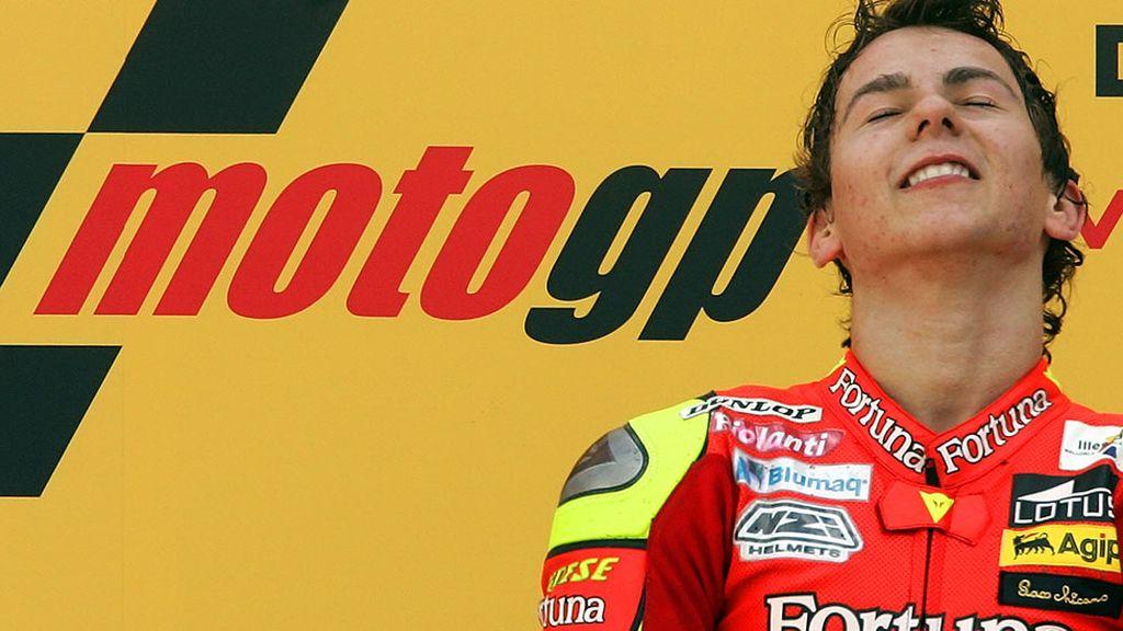 Primer año en 250 cc y quinta posición... segundo año y... campeón del mundo en el 2006