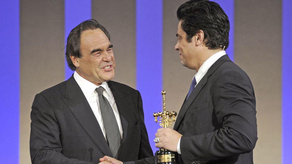 Del Toro declaró que aceptó el papel de un narco por trabajar con Stone