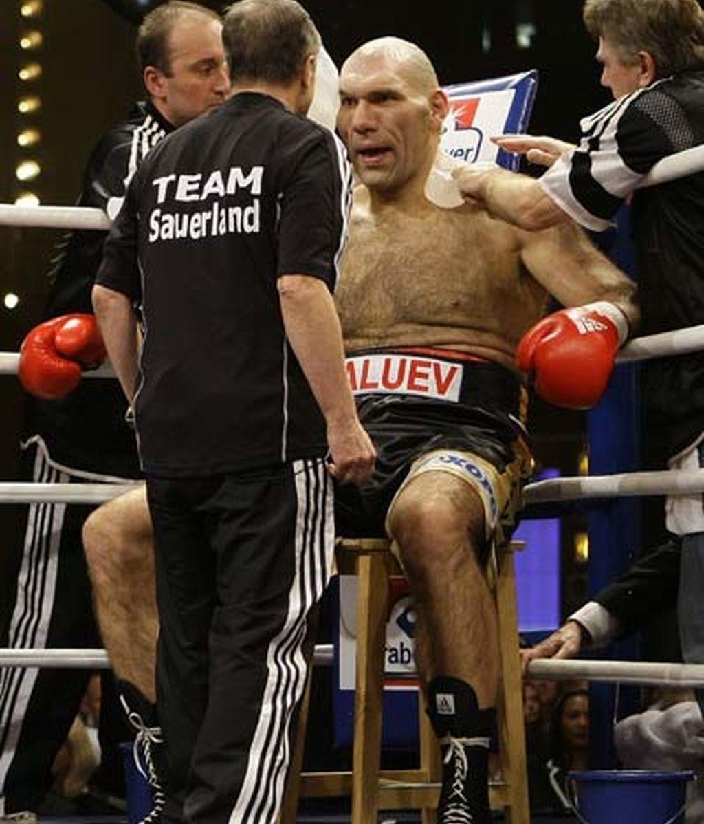 El 'Gigante Valuev' pierde el liderato de pesos pesados