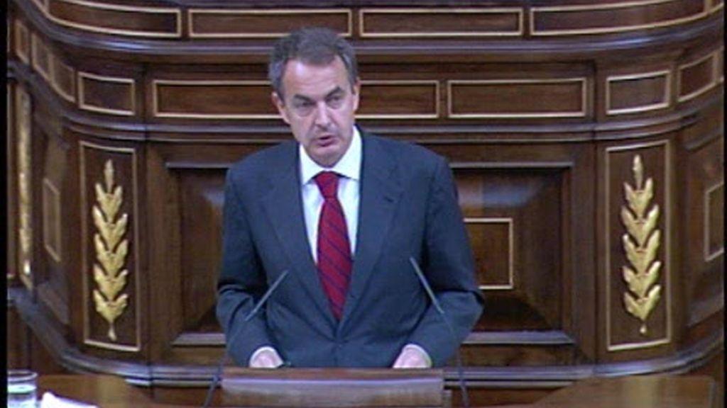 """Zapatero expresa su """"orgullo"""" por la labor de las Fuerzas Armadas"""