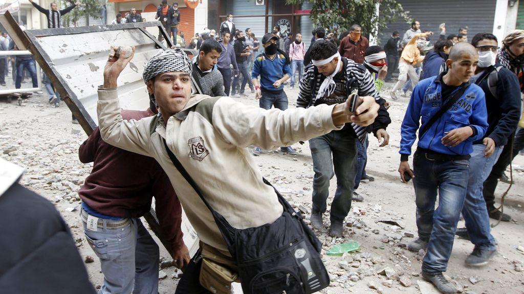 Tercer día de revueltas en El Cairo