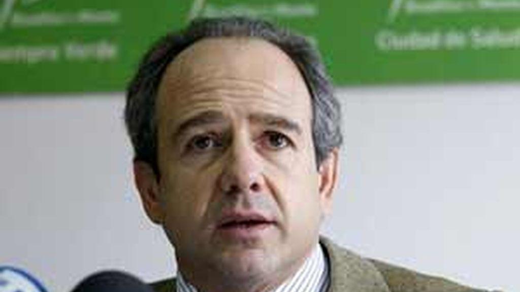 El alcalde de Boadilla del Monte, Arturo González Panero, durante una rueda de prensa.