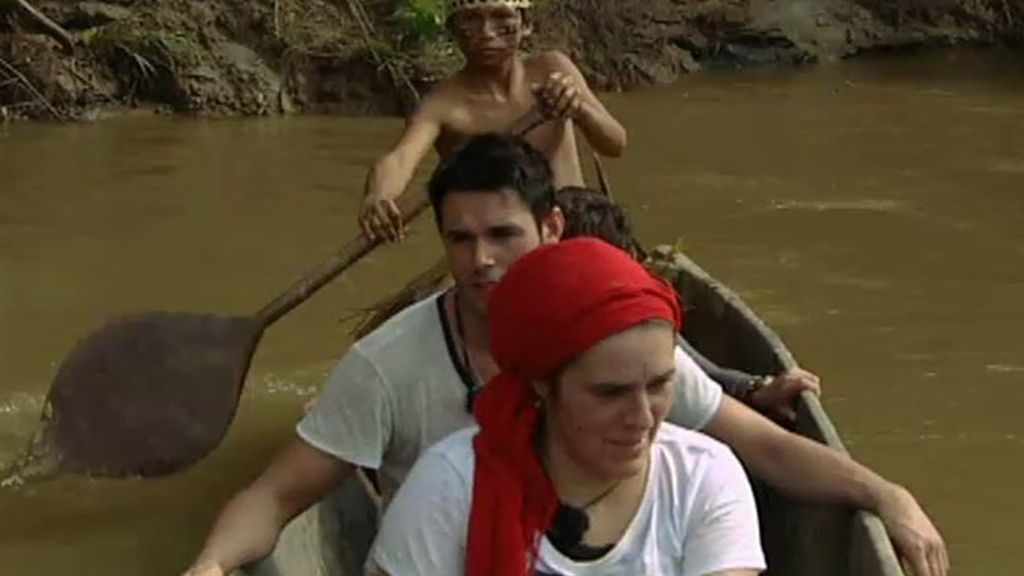 La familia Merino desembarca en tierra de los Shiwiar