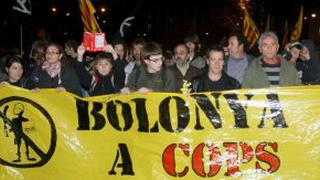Los manifestantes cambiaron en el último momento de recorrido. Vídeo: Informativos Telecinco.