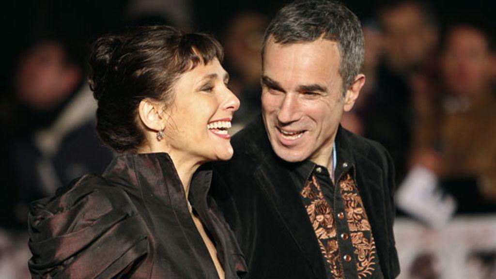 Daniel Day-Lewis con su mujer