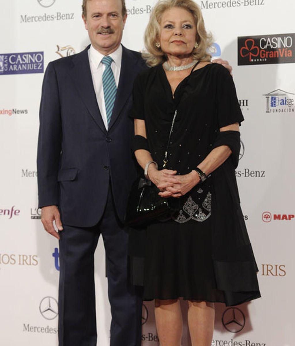 Manuel Campo Vidal y Mayra Gómez Kemp posaron juntos