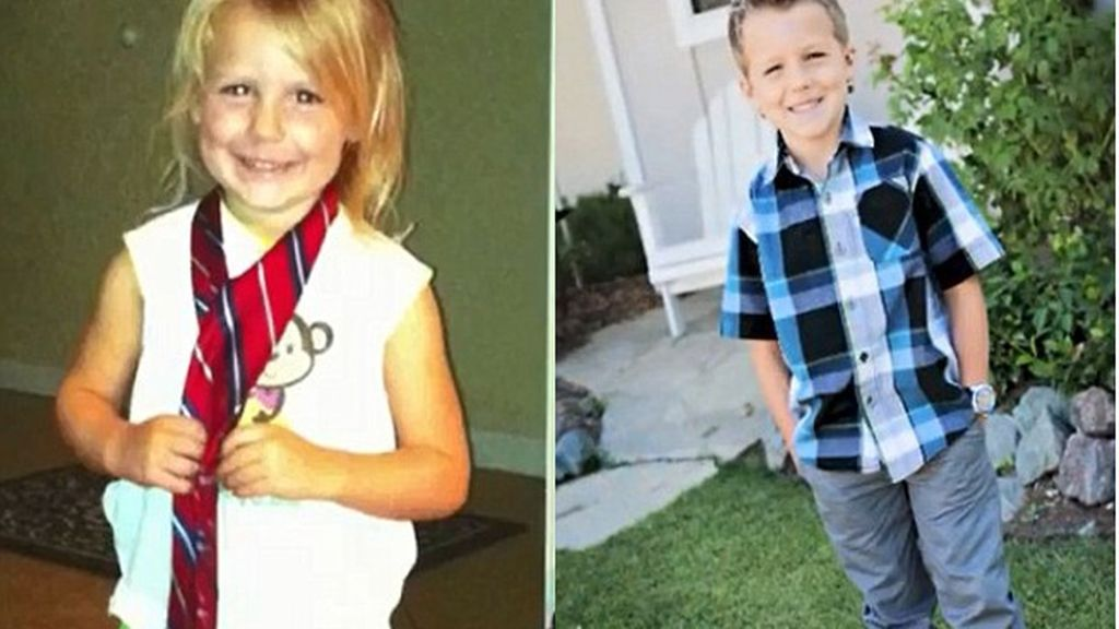 De niña a niño con cinco años con el apoyo de su familia