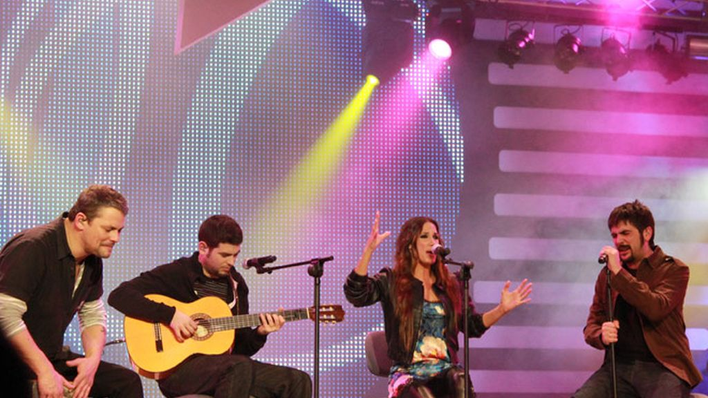 Cadena Dial premia la música en español