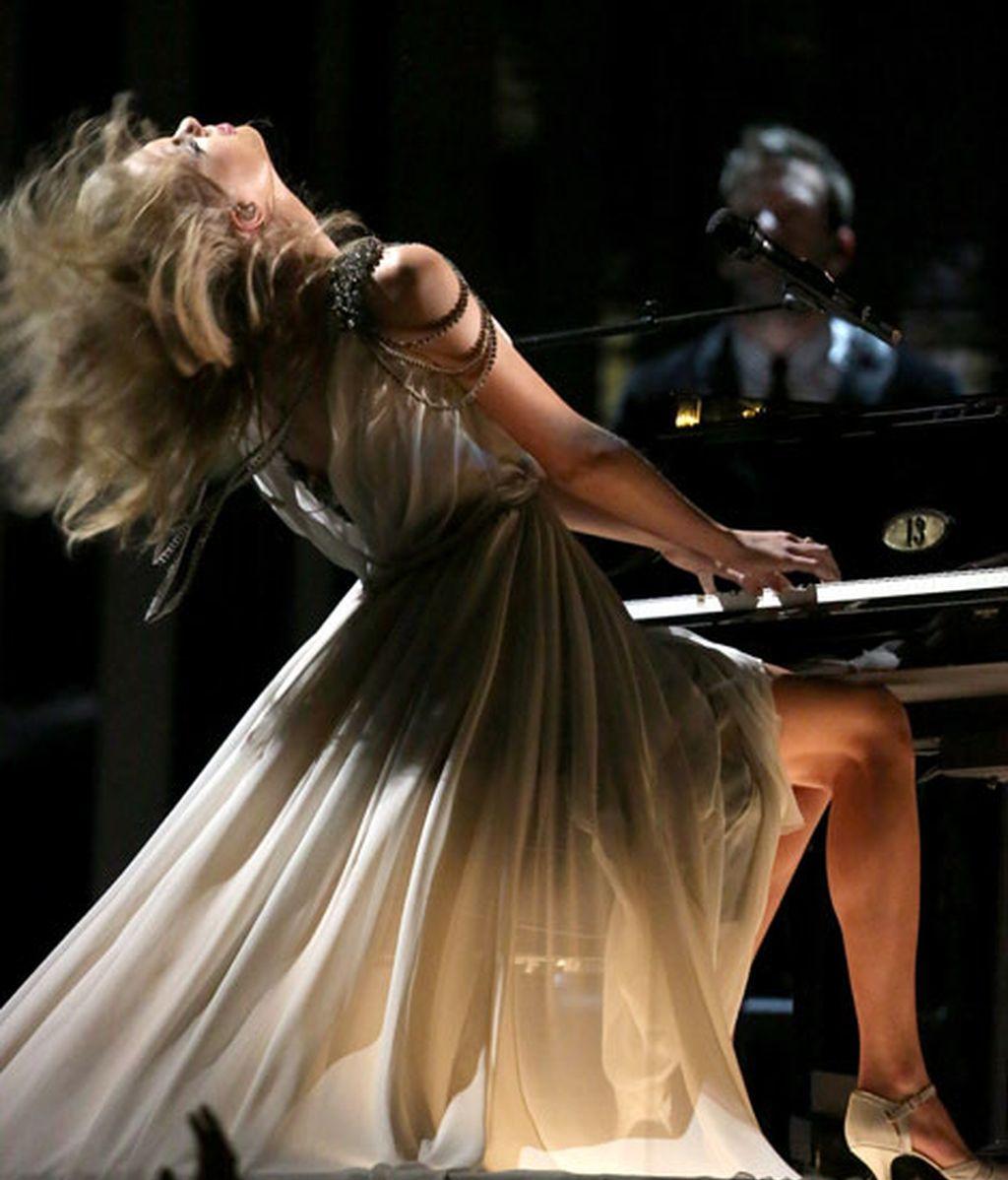 Taylor Swift durante su actuación en la gala