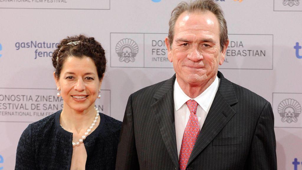 Tommy Lee Jones y su esposa Dawn Laurel