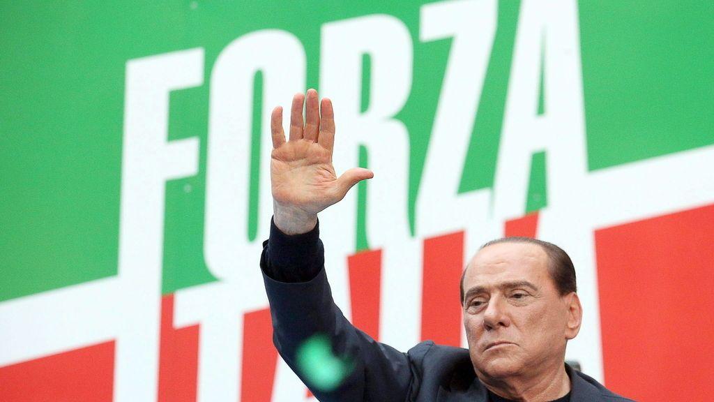 Berlusconi reitera su inocencia en un multitudinaria marcha en su apoyo