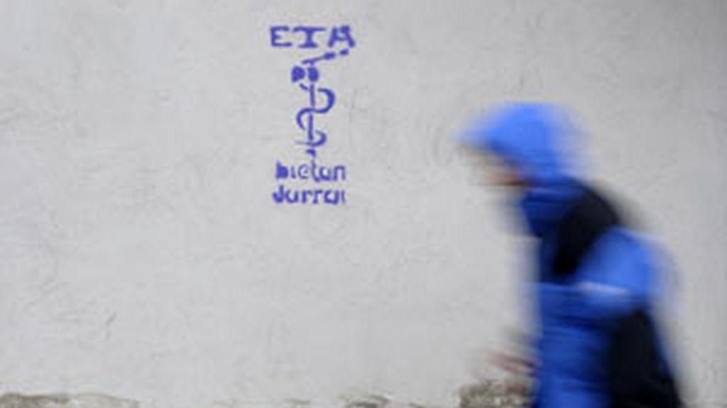 Pintada a favor de ETA en el País Vasco. REUTERS