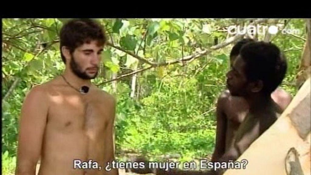 Los Kamoro buscan esposa a Rafa
