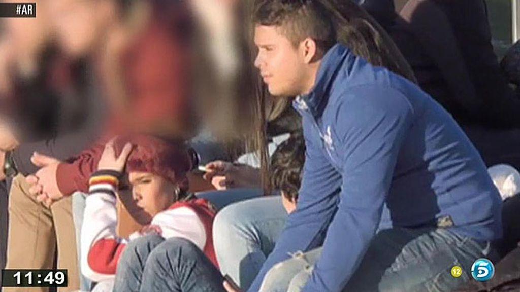 Fueron a ver un partido del equipo en el juega su primo