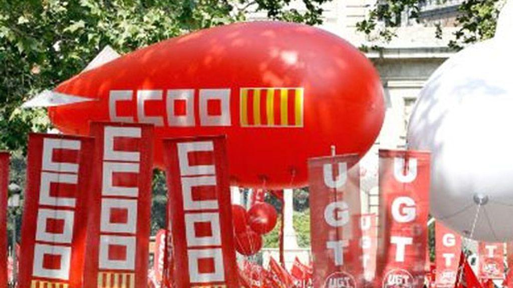 Los secretarios generales de CCOO, Ignacio Fernández Toxo, y de UGT, Cándido Méndez, han reclamado  en Valencia una mayor colaboración entre las distintas Administraciones públicas.