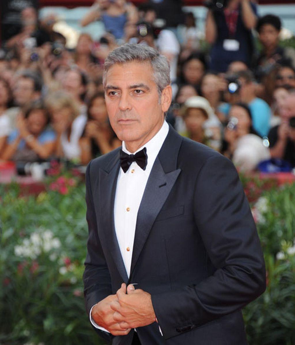 Clooney juega en Venecia con la línea roja entre el galán y el gañán