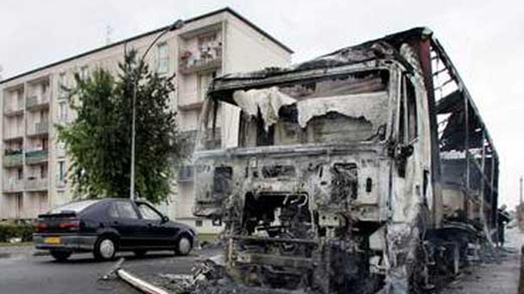 Los jóvenes han quemado 60 vehículos