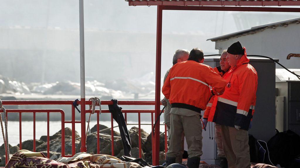 Aumentan a 24 los inmigrantes muertos tras hundirse un barco cerca de Estambul