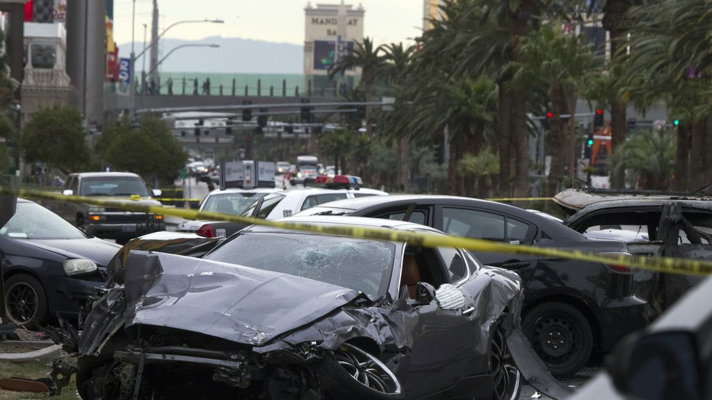 Tres muertos y tres heridos en un tiroteo que acabó en accidente en Las Vegas