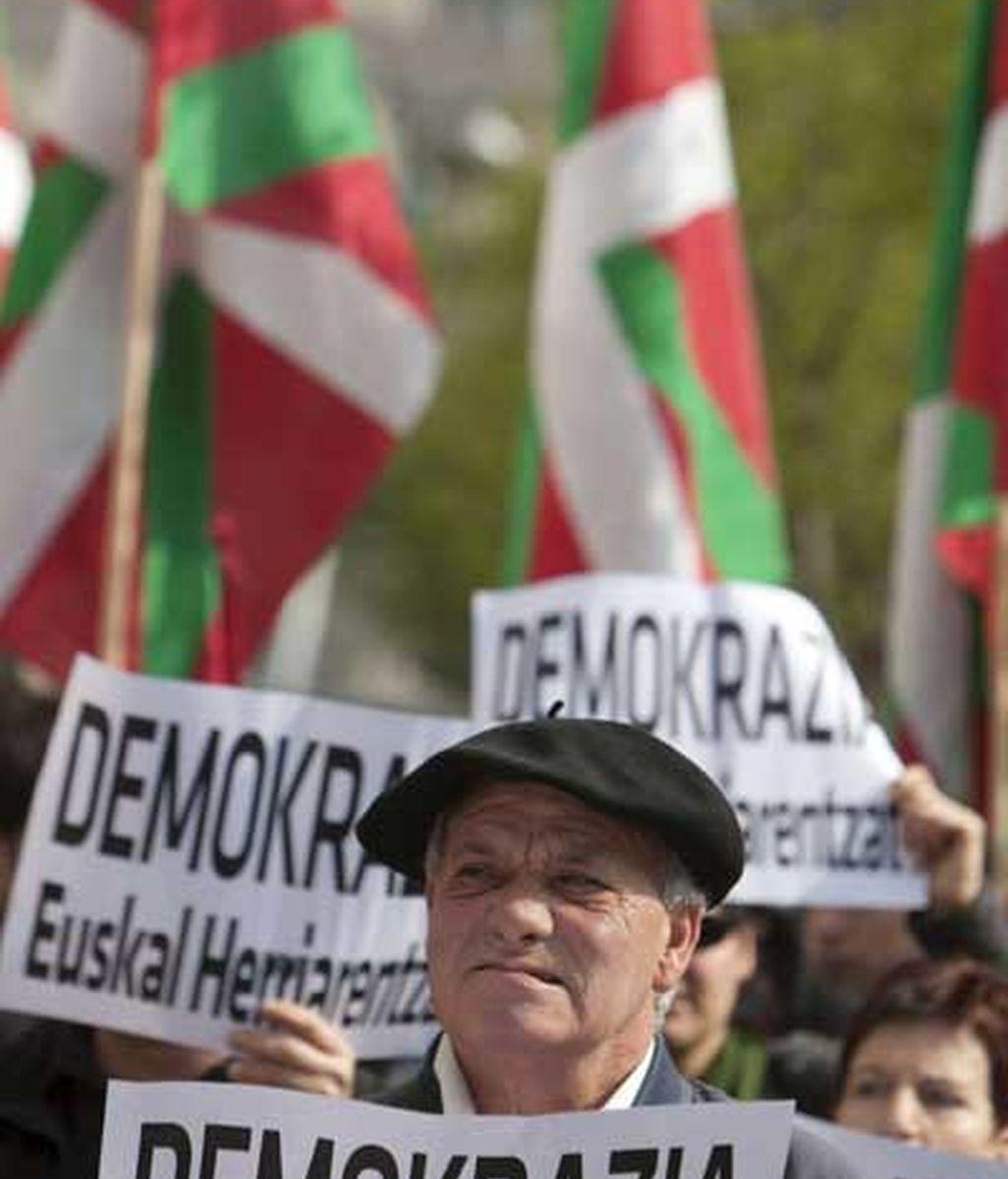 Protestas ante el Parlamento vasco