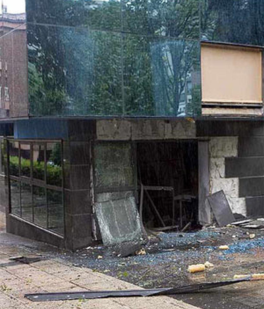 La explosión ha sido frente a la sede de la empresa 'Amenábar'. Vídeo: ATLAS