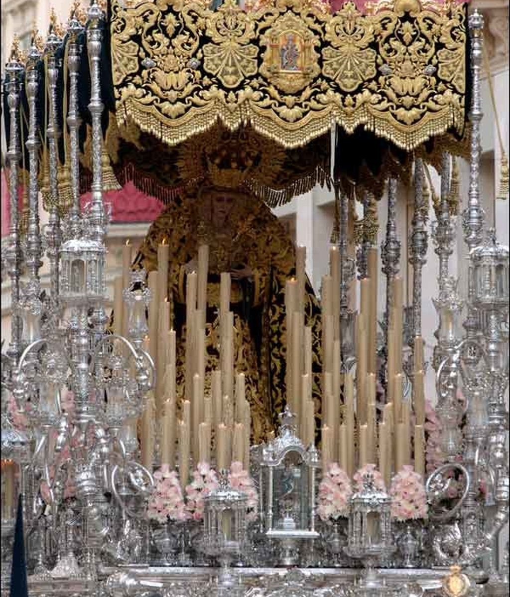 La Virgen de las Lágrimas y los Favores (Málaga)