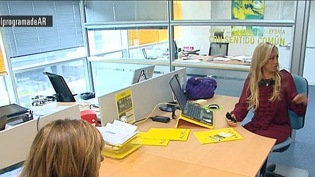 """""""Es la primera vez que trabajo en una oficina y estoy muy contenta"""""""